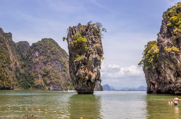 Ilha de ko tapu na tailândia e paisagem circundante