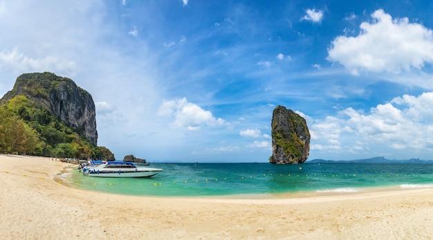 Ilha de poda, tailândia em um dia ensolarado
