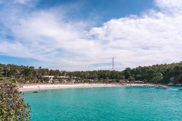 Ilha de racha, phuket, tailândia. a ilha mais bonita, paisagem incrível.