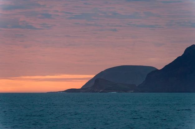 Ilha, em, a, pacífico, oceânicos, em, pôr do sol, isabela, ilha, ilhas galapagos, equador