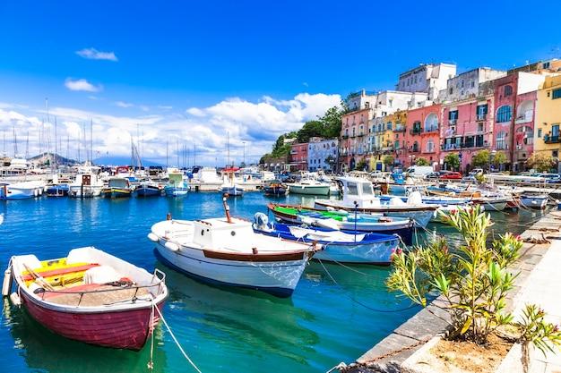 Ilha ensolarada de colrful procida, itália