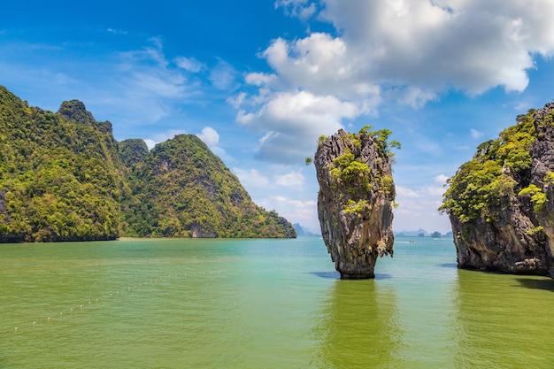Ilha james bond na baía phang nga, na tailândia