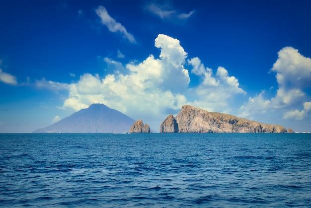 Ilha stromboli nas ilhas eólias