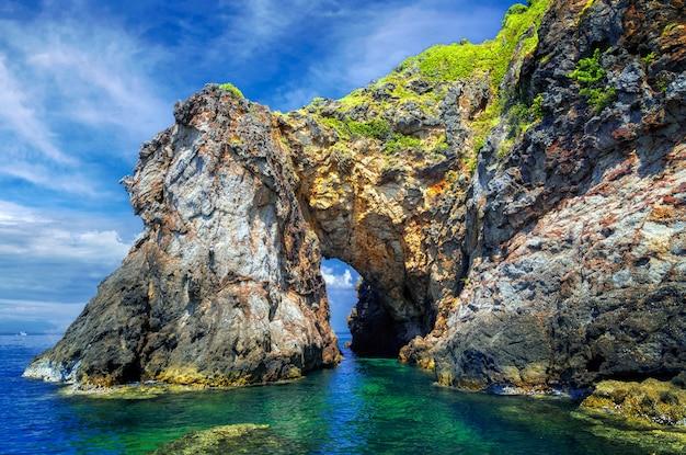 Ilha talu perto da ilha samet, província de rayong na tailândia