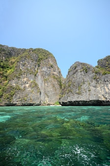 Ilhas e belo mar maya bay phuket tailândia