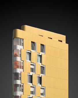 Ilustração vertical de uma estrutura amarela em um preto