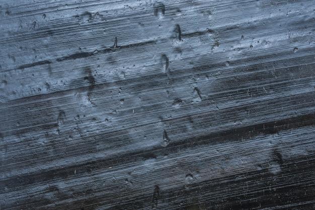 Imagem abstrata de uma formação rochosa perto de uma cachoeira