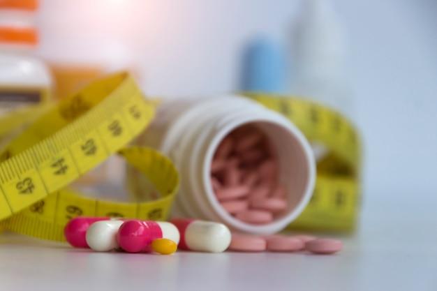 Imagem borrada de pílulas, slim com conceito de comprimidos