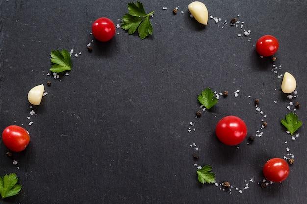 Imagem com tomates.