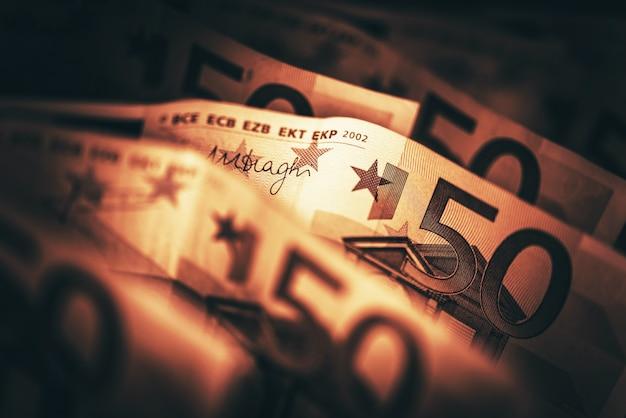 Imagem conceptual do euro-dinheiro