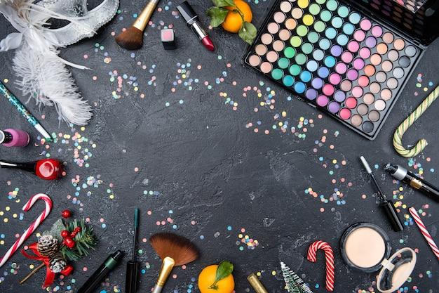 Imagem de cima de acessórios para maquiador