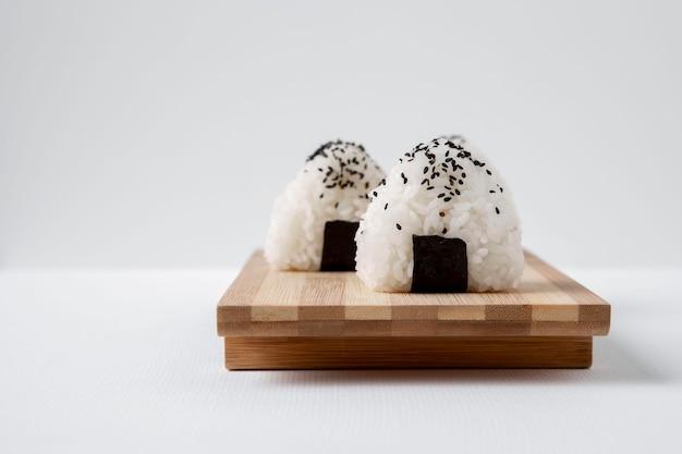 Imagem de close-up de deliciosos bolinhos de arroz