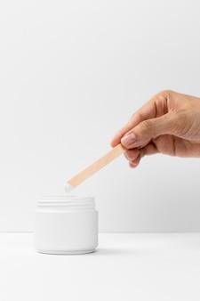 Imagem de close-up de um creme cosmético