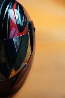 Imagem de meio capacete de bicicleta