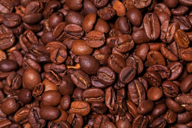 Imagem do close up de grãos de café torrados