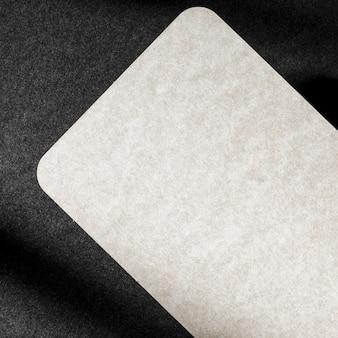 Imagem em close-up com cartão brilhante