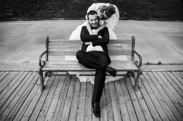 Imagem em preto e branco do casamento