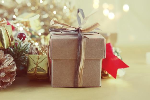 Imagem estilo vintage de presente e decorações de natal