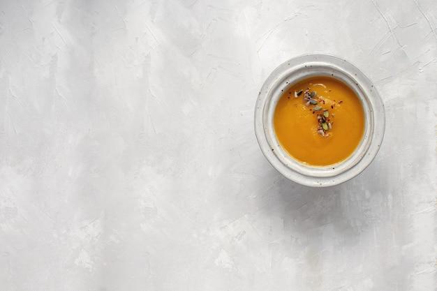 Imagem mínima - vista superior do prato de sopa de abóbora