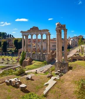 Imagem panorâmica do fórum romano em roma, itália