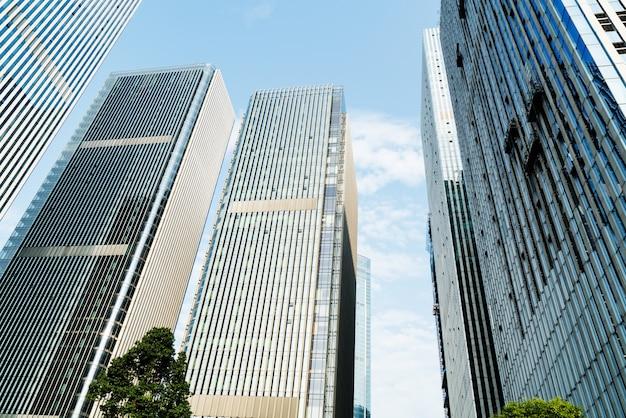 Imagem tonificada de prédios de escritórios modernos em chongqing, china