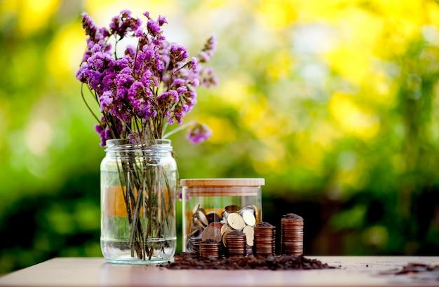 Imagens de close-up de notas de dinheiro e dólar economizando dinheiro para criar dinheiro de negócios conceito de negócio