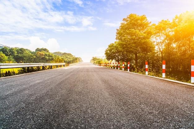 Imagens de fundo da estrada asfaltada