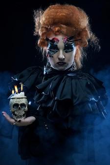 Imagine uma linda mulher de fantasia com caveira. tema de halloween. tema da festa.