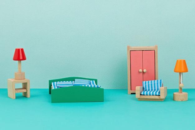 Imitação de interior com móvel de brincar de madeira para crianças. conceito de design de interiores, natural, sem plástico e ecológico para crianças