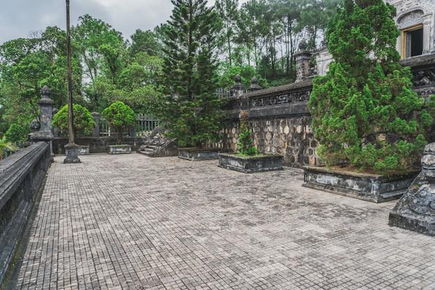 Imperador de khai dinh tomb na matiz, vietnã. patrimônio mundial da unesco.