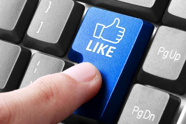 Imprensa de mão como botão no teclado