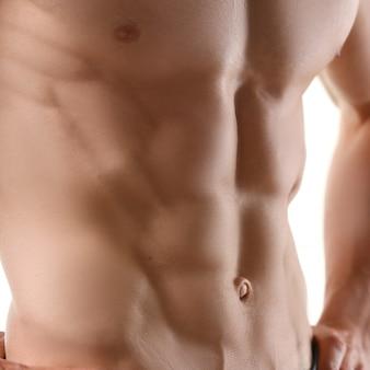 Imprensa masculina forte graças à dieta e constante
