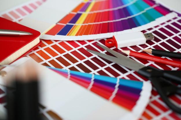 Impressão a cores do pantone statistics offset