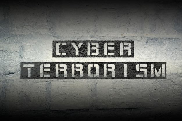 Impressão de estêncil de terrorismo cibernético na parede de tijolos brancos do grunge