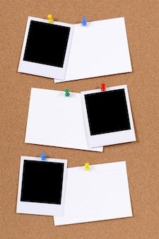 Impressões fotográficas em branco com cartões de índice de escritório