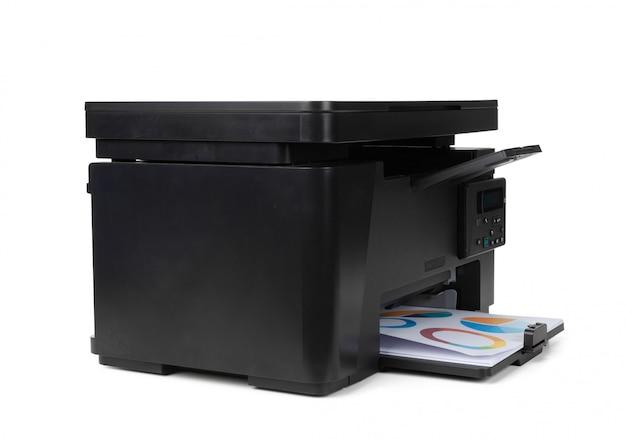 Impressora a laser em casa isolada no branco