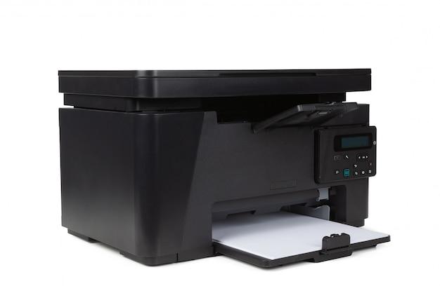 Impressora a laser em casa, isolada no fundo branco