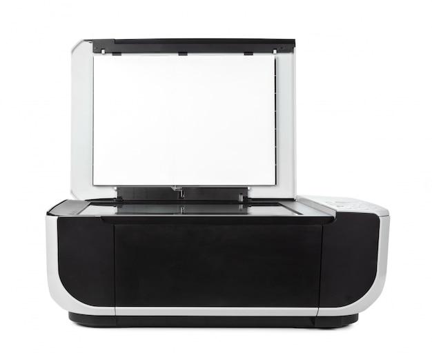 Impressora multifuncional preta isolada contra um branco