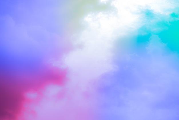 Incrível céu de belas artes com nuvens coloridas Foto Premium