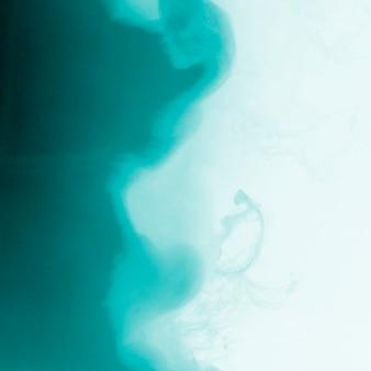 Incrível nuvem azul de neblina