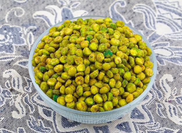 Indian namkeen snack food masala ervilhas verdes
