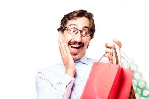 Indivíduo surpreendido com sacos de compras