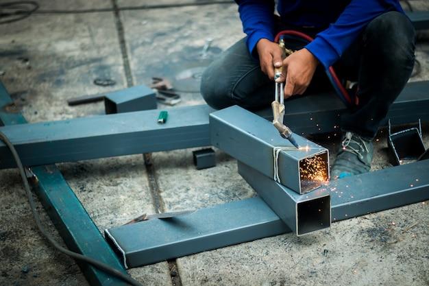 Indústria de aço do soldador, espaço da cópia.