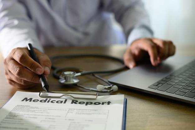Informações do paciente de registros médicos conceito de tecnologia médica
