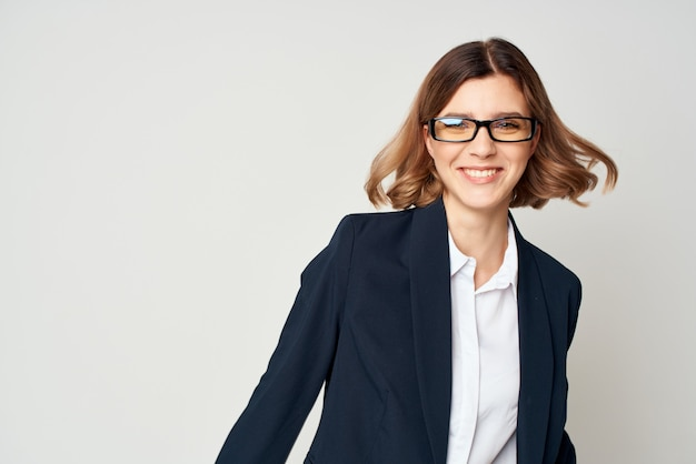 Informações financeiras de gerente de trabalho de mulher de negócios