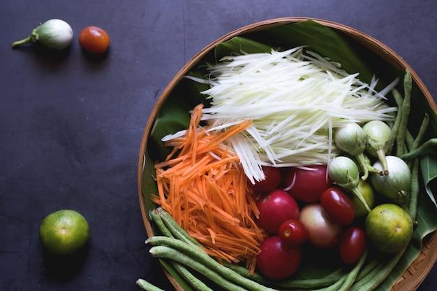 Ingrediente da salada de mamão. cozinha tailandesa de somatam