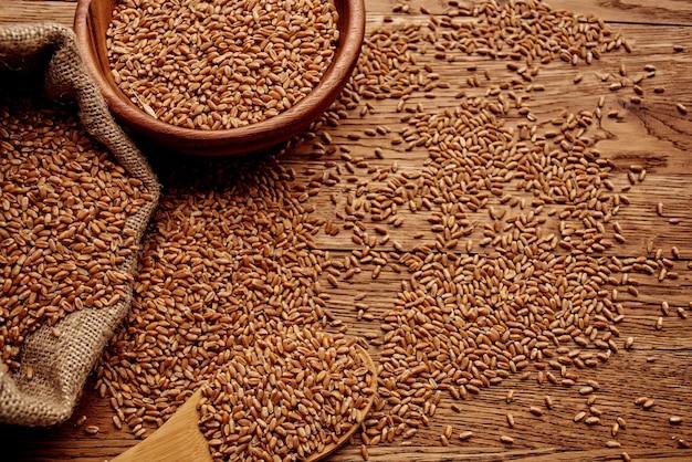 Ingrediente orgânico do grupo de utensílios de cozinha para sacos de cereais
