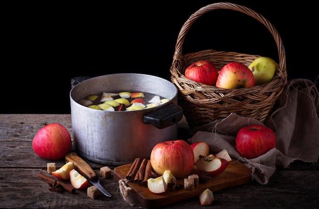 Ingrediente para cozinhar cidra de maçã ou compota