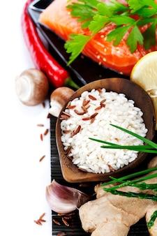 Ingredientes asiáticos crus tradicionais