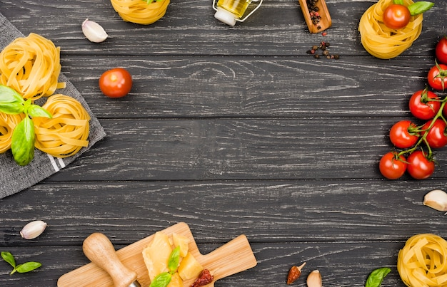 Ingredientes da moldura para comida italiana
